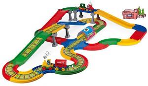Влакче с релси и автомобилен път - Комплект с аксесоари -