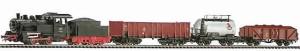 Влак с дизелов локомотив и три товарни вагона - ЖП комплект с релси -