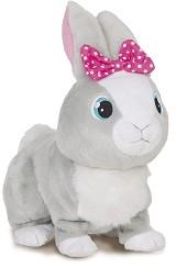 Зайчето Бетси - Ходеща интерактивна играчка със звуков ефект -