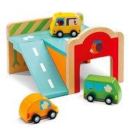 Мини гараж с три колички - Детска дървена играчка -