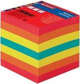Цветно хартиено кубче - Със 700 квадратни листчета с размер 9 x 9 cm