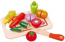 Зеленчуци - Дървен комплект с дъска и ножче за рязане - количка