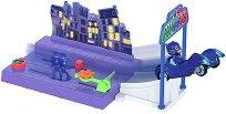 """Писта - Нощна мисия - Детска играчка със светлинни ефекти от серията """"PJ Masks"""" -"""