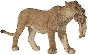 Лъвица с малко лъвче - Фигура от серията Диви животни - фигури