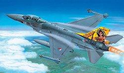 Военен самолет - F-16 Fighting Falcon - Сглобяем авиомодел - продукт