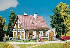 Къща с гараж - Сглобяем модел -