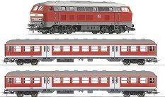 Дизелов локомотив BR 218 с 2 пътнически вагона - ЖП комплект с релси - макет